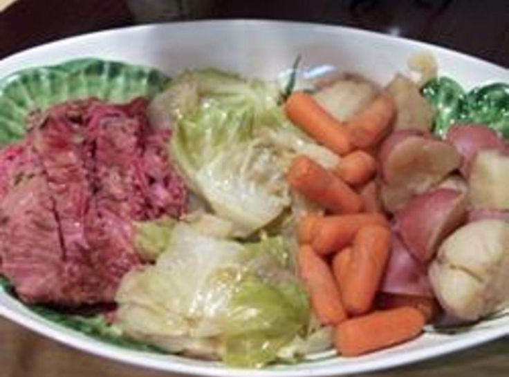 CROCK POT CORNED BEEF AND CABBAGE | St. Patty's Day Recipes | Pintere ...