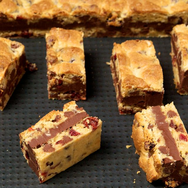 Gooey Chocolate Chip Sandwich Bars - Oui, Chef