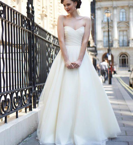 Allie  Nuit Blanche Paris - Robes de mariée sur mesure