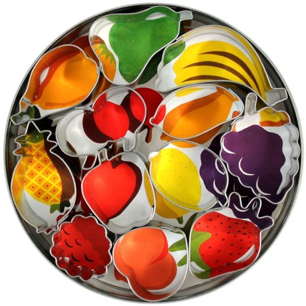 fruit cutter fruit cake