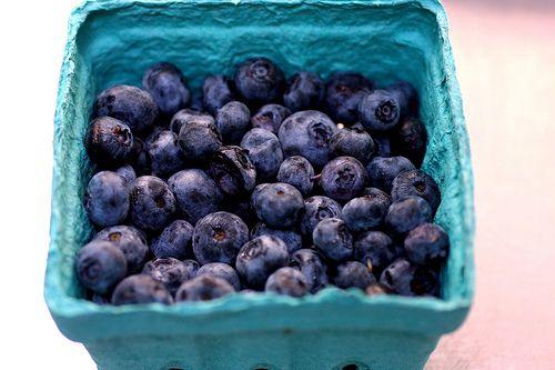 blueberry pancakes + pancake 101 | Blueberry Blue .:. Recipes .:. Des ...
