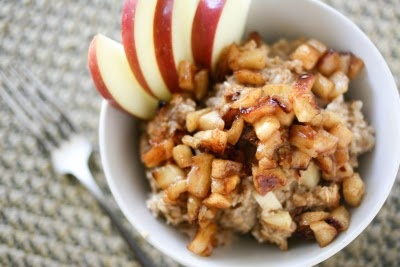 Apple Pie Baked Oatmeal. Really good and pretty healthy! I added ...