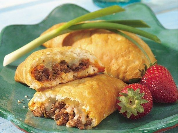 Buffalo-Style Empanadas.. quick, easy and obviously delicious =)