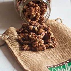 Sweet and Spicy Candied Walnuts | Appetizers and Snacks | Pinterest