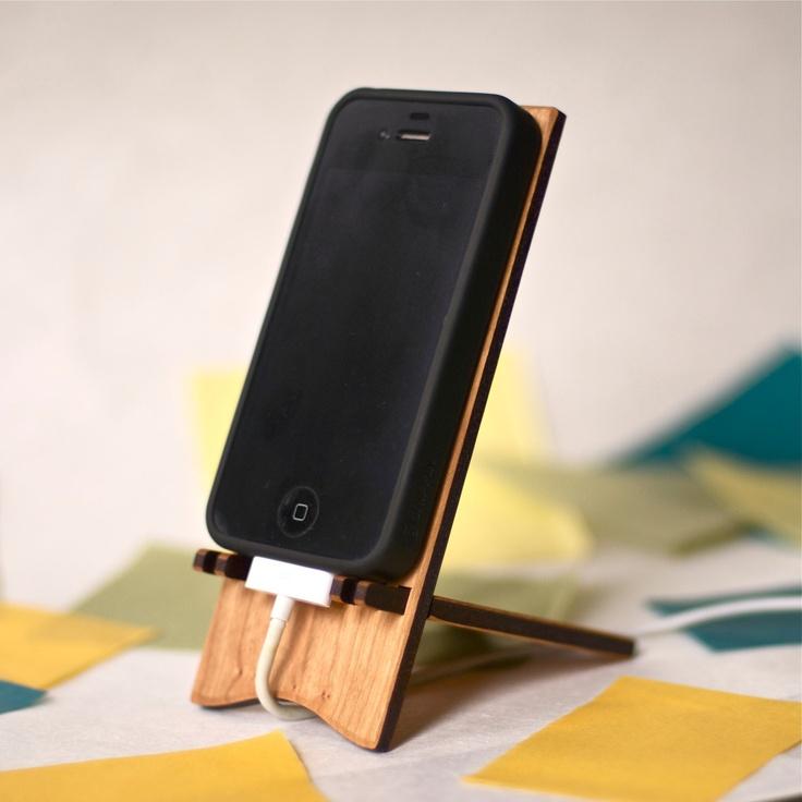 www.rozalitka.com: Creative Wooden iPhone Stands