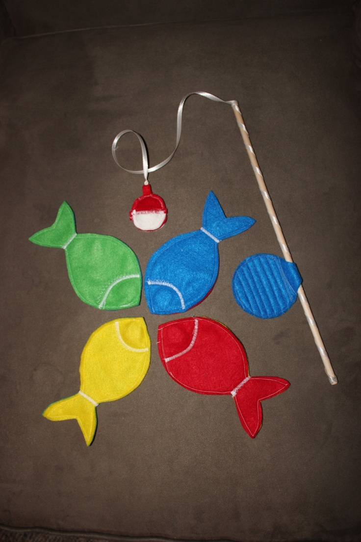 Magnetic felt fishing game set of four fish and fishing pole for Fishing rod game
