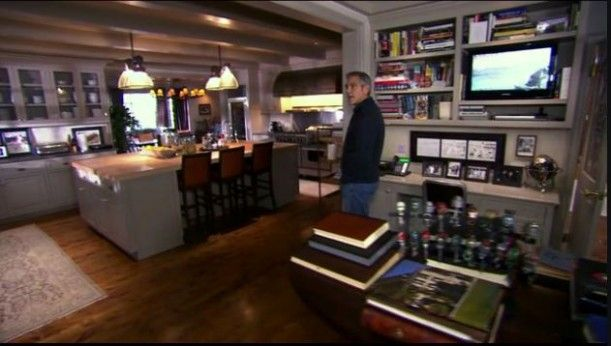 George clooney s house in l a person to person on hooked on houses i
