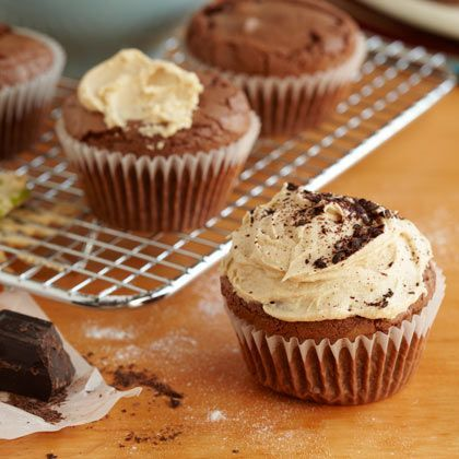 Peanut Butter Brownie Cupcakes with Peanut Buttercream Frosting | Rec ...