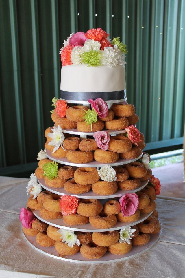 Donut-Wedding-Cake.jpg (640×960)
