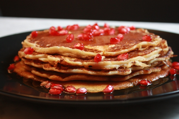 MAPLE SYRUP AND POMEGRANATE PANCAKES | SWEET | Pinterest