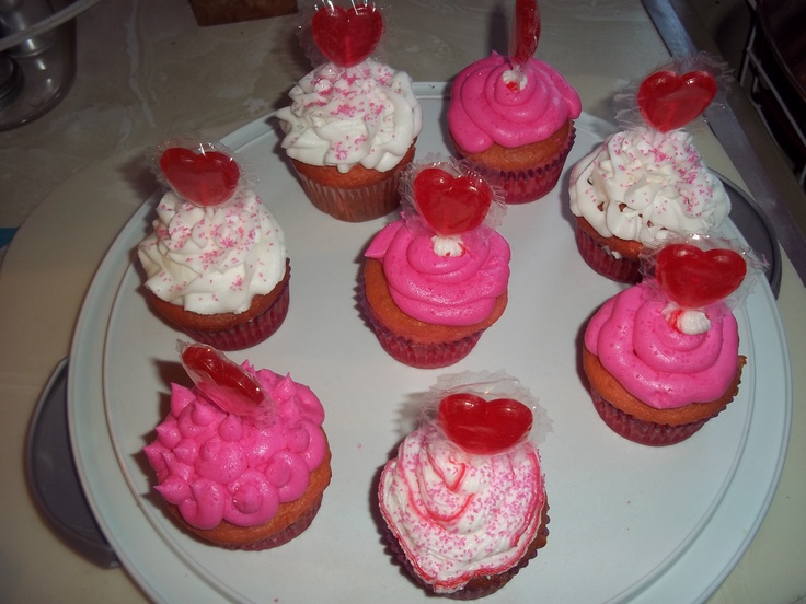 valentine cupcakes and cookies