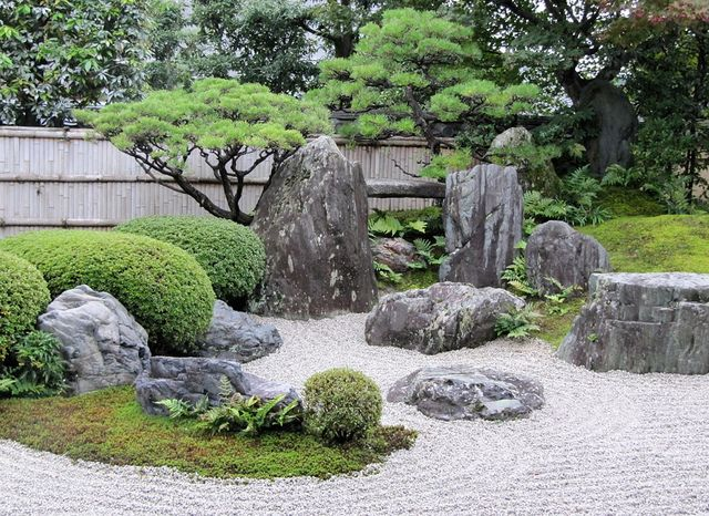 Rock garden kyoto via flickr zen pinterest Pictures of zen rock gardens