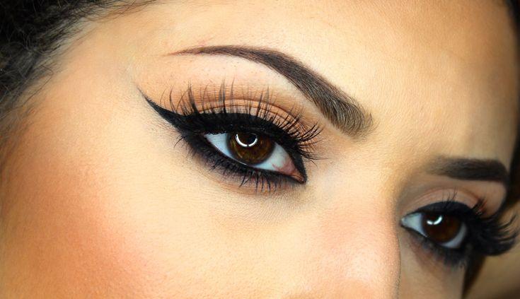 Winged eyeliner step by step