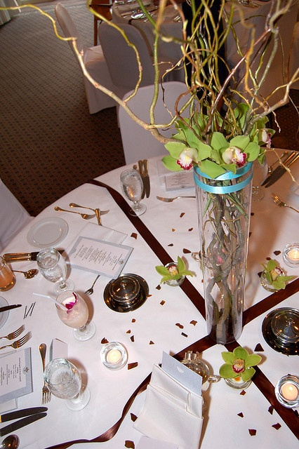 Table centerpiece     . Lovely idea. More items here:  http://adriankmarketing.com/products/?cat=13