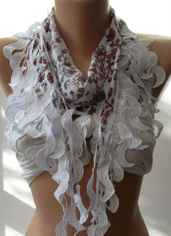 Elegance Shawl with Lacy Edge by womann on Etsy, $9.90