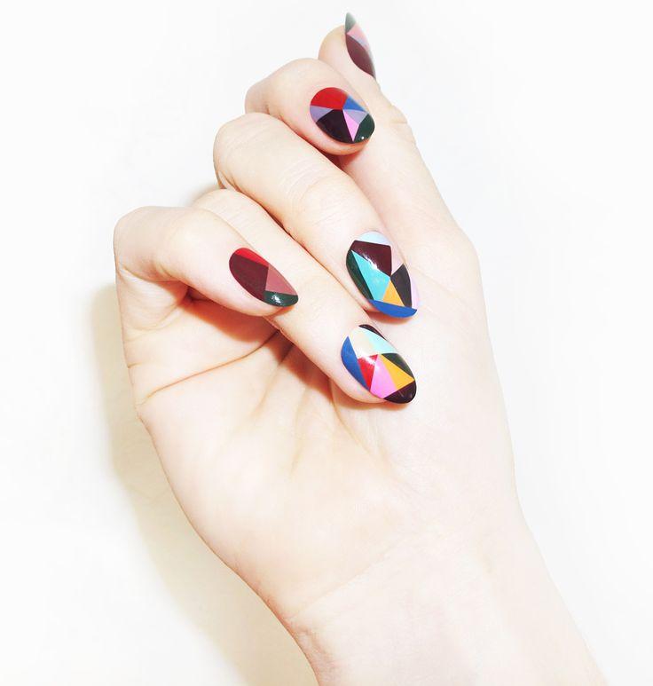 Как сделать геометрический дизайн на ногтях