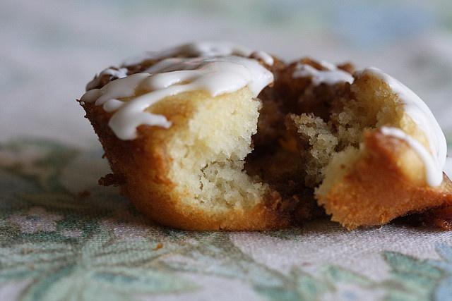 ... , Pumpkin Pie Bars, Lemon Whoopie Pies & Easy Cinnamon Roll Muffins