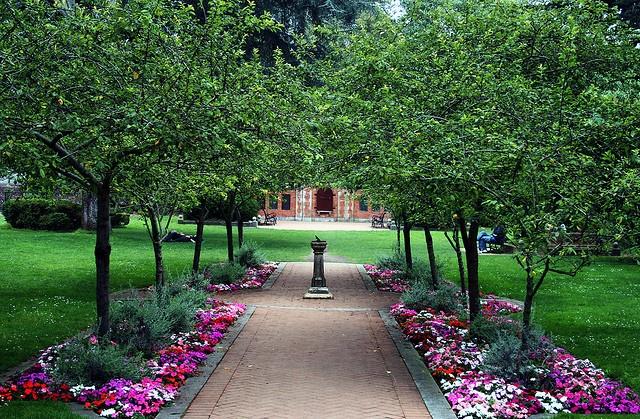 Shakespeare Garden Garden Art And Architecture Pinterest