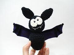 2000 Free Amigurumi Patterns: Bert Bat Amigurumi Crochet
