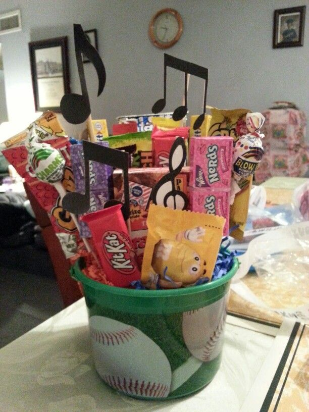 Senior night gift basket | Team Mom Stuff | Pinterest