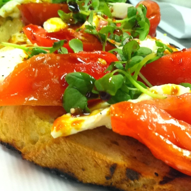 Caprese Bruschetta | Food & Drink I Love | Pinterest
