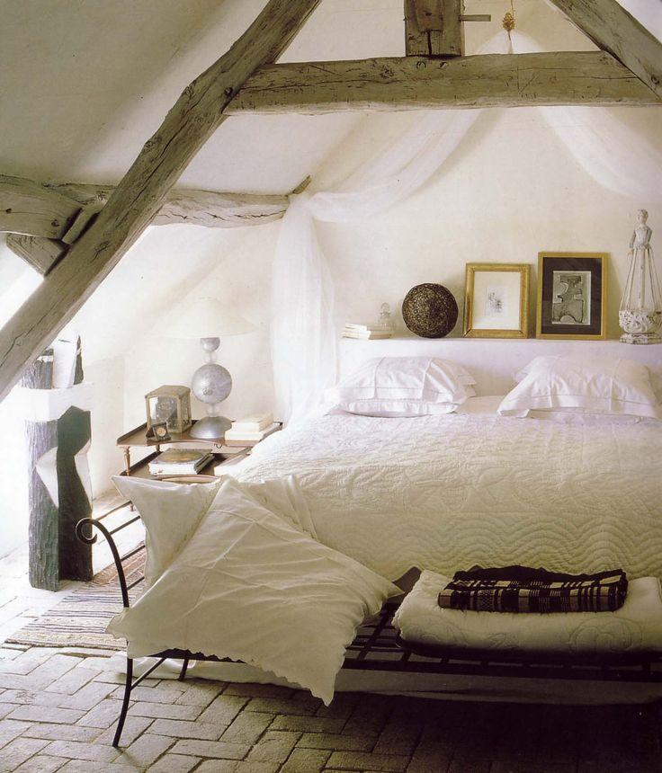 Chambre sous combles sous les toits pinterest for Chambre sous comble