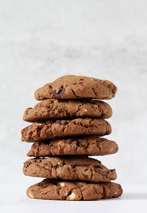 More like this: chocolate chip cookie , chocolate chips and chips .