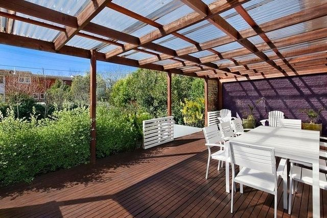 Clear covered deck roof garden pinterest for Garden decking with roof