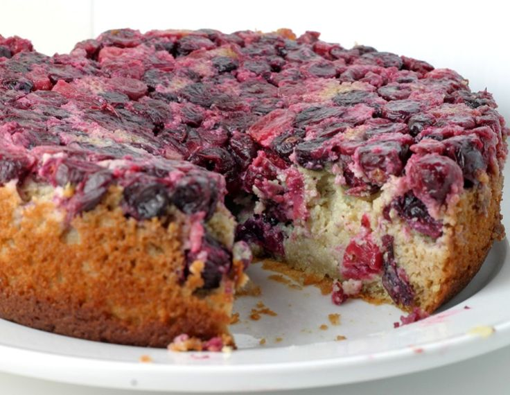 Cranberry Upside Down Cake with yogurt and almond flour, (note: recipe ...