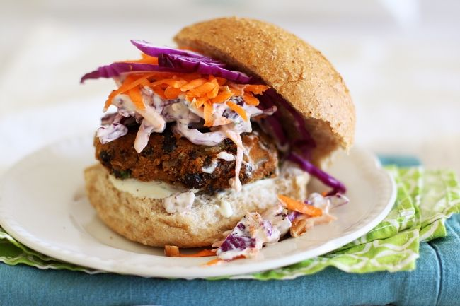 Spicy sweet potato black bean burgers with lime chilli mayonnaise ...