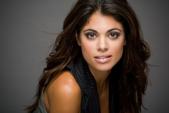 Lindsay Hartley--A moment- Lilliana
