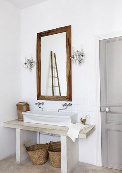 Your expert guide to bathroom lighting // Crystal sconces