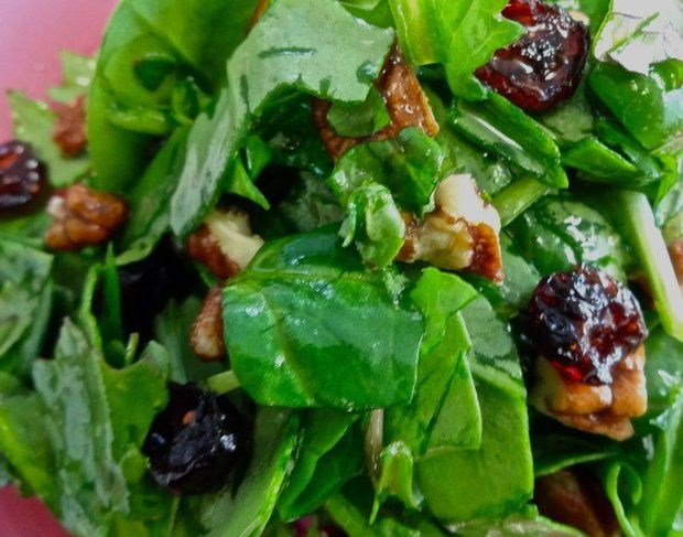 Vegan Spinach and kale salad with pecans, dried cherries and maple ...
