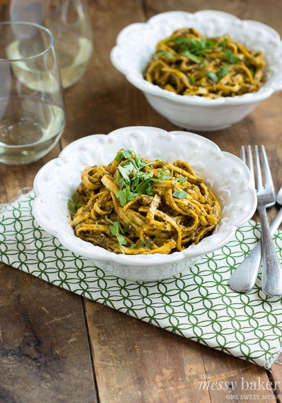 Roasted Red Pepper Pesto Pasta ~ #WeekdaySupper #ChooseDreams