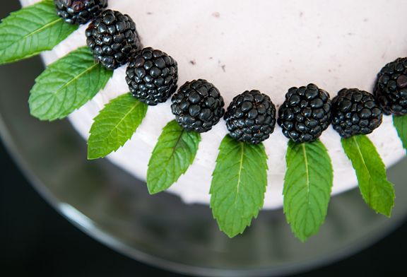 blackberry lemon elderflower cake. | good food. | Pinterest