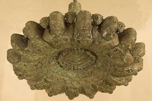 lampadario bronzo : lampadario in bronzo Discover Cortona: MAEC Museum Pinterest