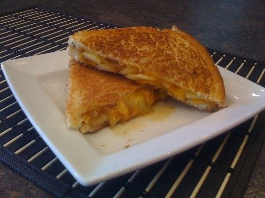 Caramelized Apple Grilled Cheese | Food - Burgers & Sammies | Pintere ...