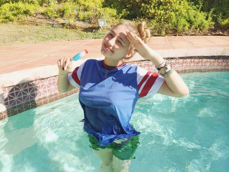 Lia Marie Johnson ‏@Lia-Marie Johnson  I salute you muurrrrica