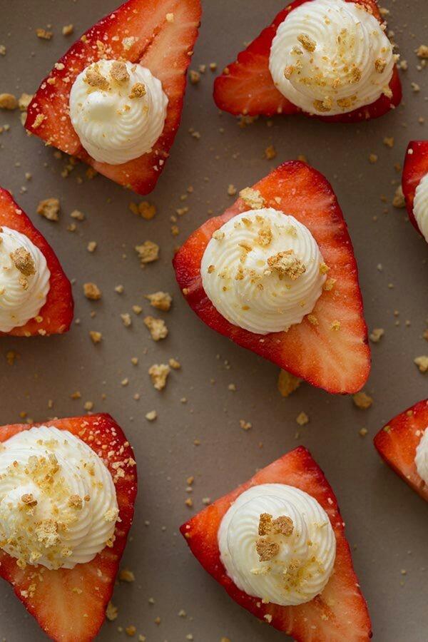 Strawberry cheesecake bites | Sweet Treats | Pinterest