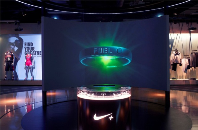 Nike fuel station green room retail nike fuel pinterest for Green room retail