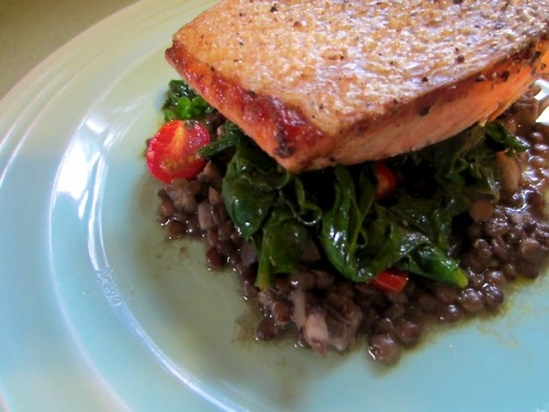 seared salmon with lentils and spinach | Deliciousness | Pinterest