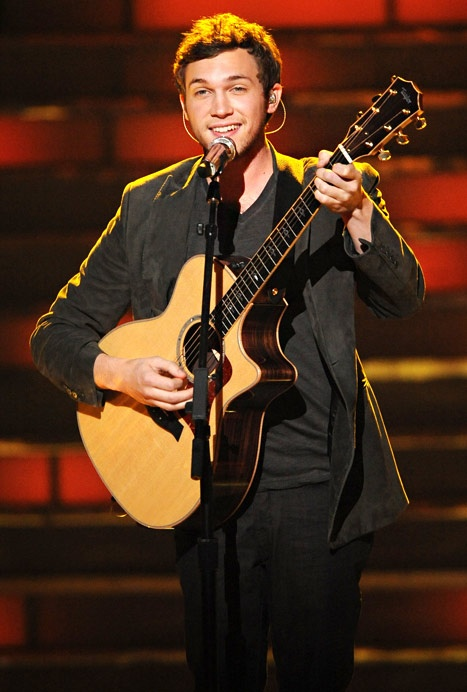 So happy Phillip Phillips won Idol! He's adorable! Blue eyes, southern accent, amazing musician, love.