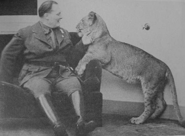 Göring with lion