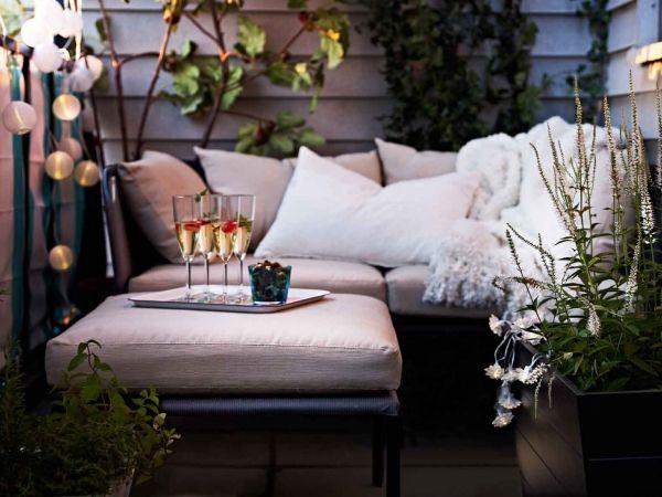 Lichter und Couch