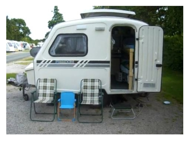 small travel trailers with bathrooms folat. Black Bedroom Furniture Sets. Home Design Ideas