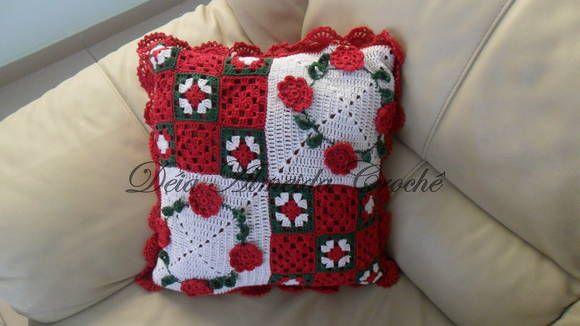 Almofada para o Natal feita em crochк. R$ 150,00