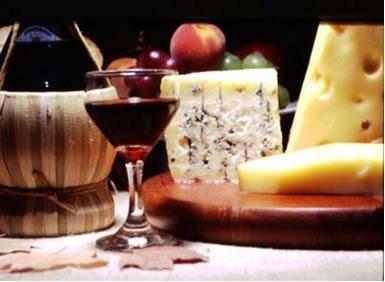 Nada como um bom vinho acompanhado de queijos deliciosos!