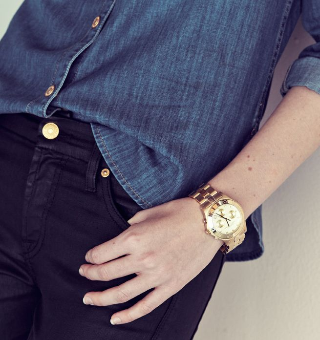 Add some shine to an all-denim ensemble with a gold boyfriend watch.