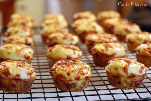 "CHEESY BEER POPOVERS | ""Cheese please ‿ ""!! 