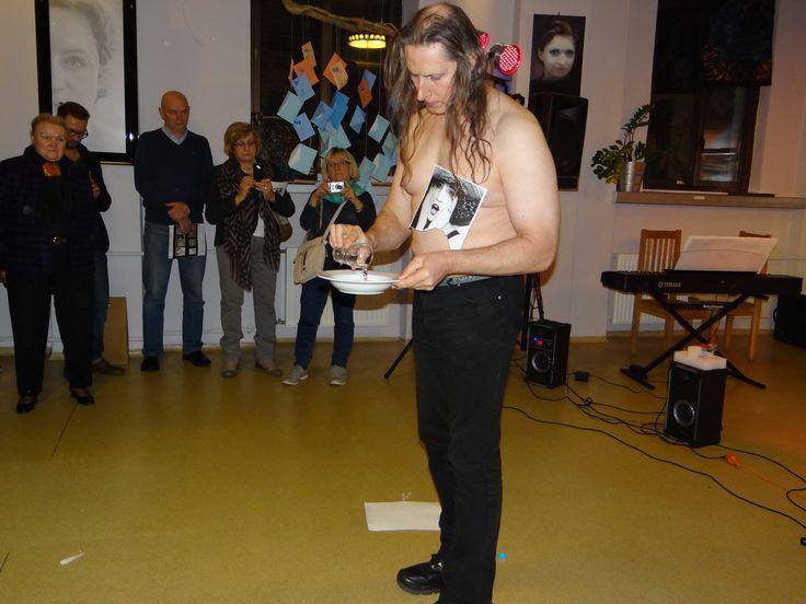Wojtek Kowalczyk performance